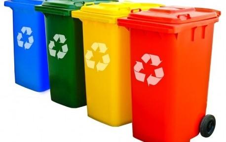 Plechové a plastové kontajnery na obecný a separovaný odpad